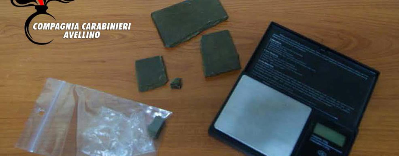 Serino, sorpreso in possesso di droga: arrestato giovane. Denunciata la madre