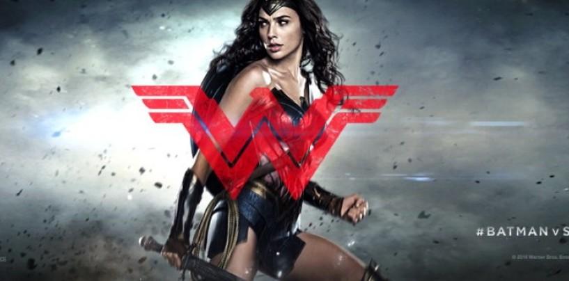FOTO/ Wonder Woman sbarca sulle spiagge del Cilento, ma l'Arco naturale resta off limits