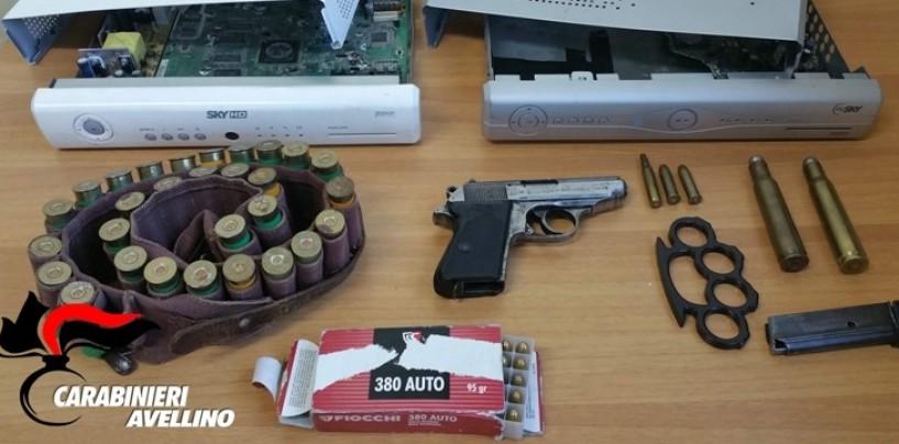 """Giovani irpini sorpresi mentre si esercitavano a sparare, la pistola è quella di """"007"""""""