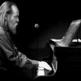 Lubomyr Melnyk, il pianista più veloce al mondo, in concerto ad Avellino.  L'evento nei giardini di Villa di Marzo