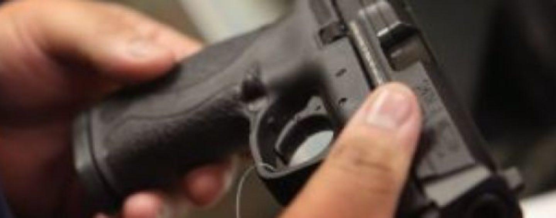 Quindici, detiene illegalmente una pistola: 65enne nei guai
