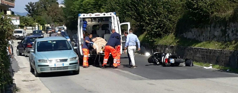 FOTO/ Atripalda, scontro auto-scooter: giovane finisce in ospedale