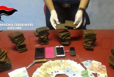 FOTO/ Serino, sorpresi con sei chili di hashish: arrestati padre e figlia