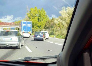 Incidente stradale sul raccordo a Serino, le immagini
