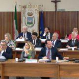 Consiglio comunale, in Aula la nuova giunta Foti. Francesca Di Iorio passa all'opposizione