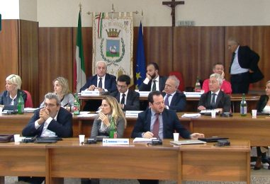 VIDEO/ Consiglio comunale, in Aula la nuova giunta Foti. Francesca Di Iorio passa all'opposizione