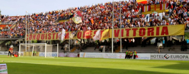 """Benevento Calcio, la Curva Sud protesta: """"Tifosi trattati come animali"""""""
