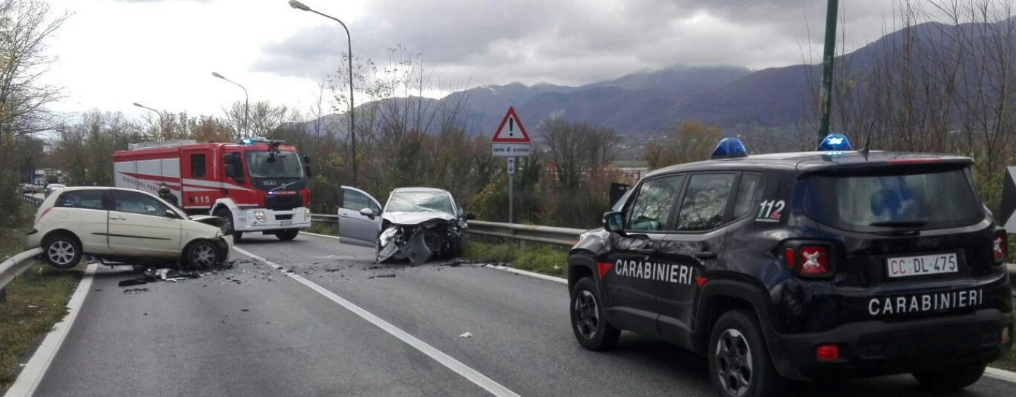 Incidente stradale frontale a Lioni, due feriti gravi