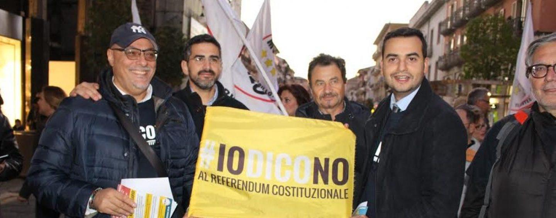 Carlo Sibilia da Manocalzati ad Atripalda per dire No al referendum