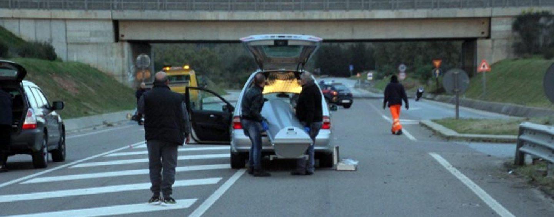 Incidente sul Raccordo Salerno Avellino tra furgone e carro funebre