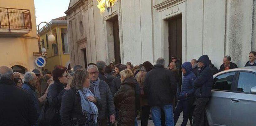 Bagno di folla a Montemarano per l'ultimo saluto a Giuseppe Gallo
