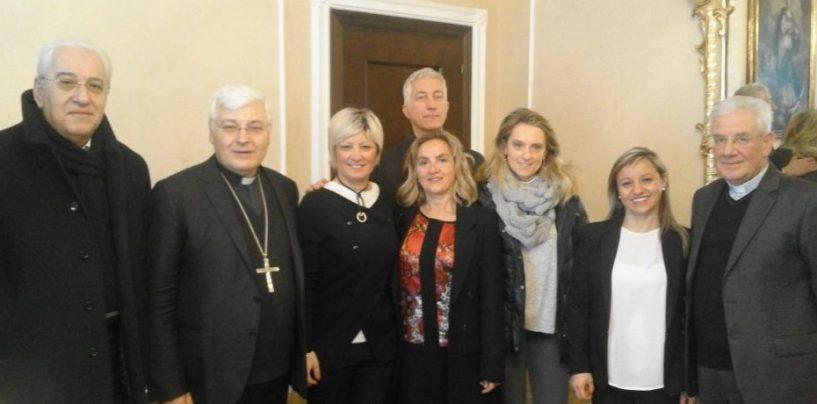 Foti e l'amministrazione comunale salutano il vescovo Marino