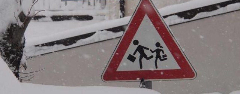 Neve, scuole chiuse anche domani