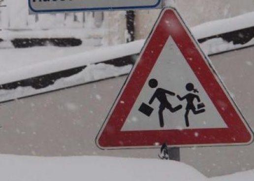Emergenza neve, domani scuole chiuse in Irpinia: ecco dove