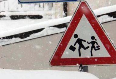 La neve cade ancora sull'Irpinia, scuole chiuse in diversi comuni