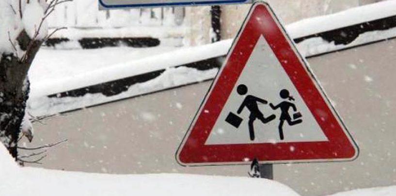 Rischio neve in Irpinia, i sindaci chiudono le scuole