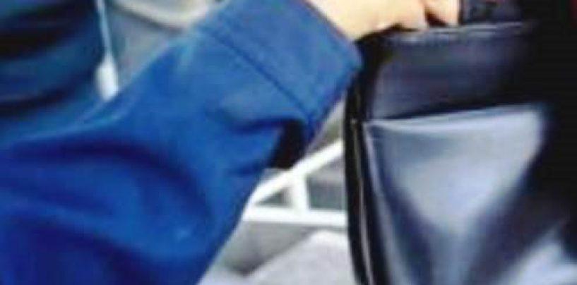 Rubano portafogli e usano carta di credito: denunciate tre napoletane