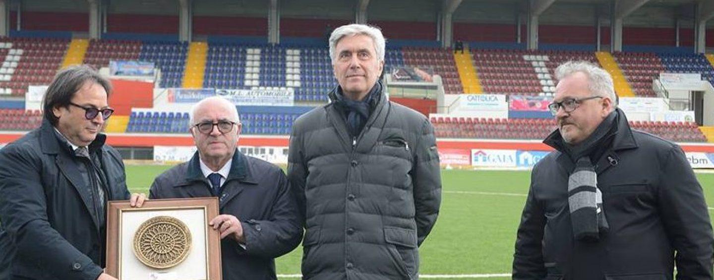 Figc: Carlo Tavecchio, sostenuto da Cosimo Sibilia, rieletto presidente