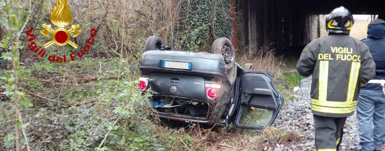 Incidente sul raccordo Avellino – Salerno: auto precipita dal cavalcavia