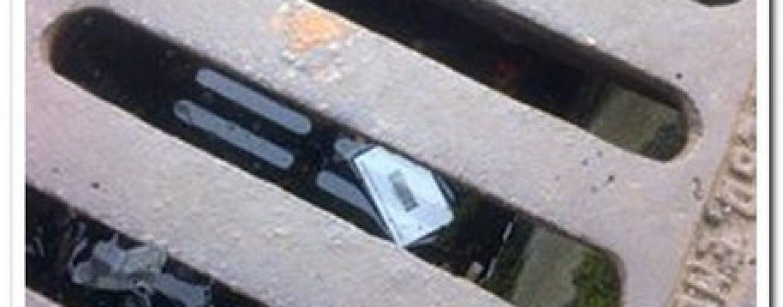 Cerca di recuperare le chiavi in un tombino ma muore annegato