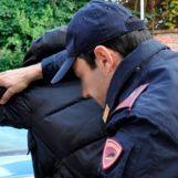 Truffa un'intera famiglia promettendo lavoro, arrestato 50enne di Ariano