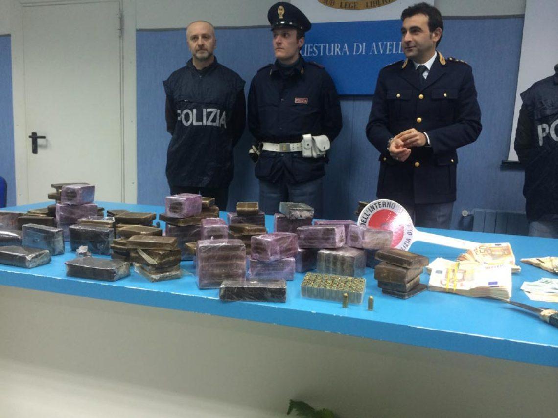 Maxi sequestro di hashish della Mobile, interrotto grande flusso di ingresso di droga in città