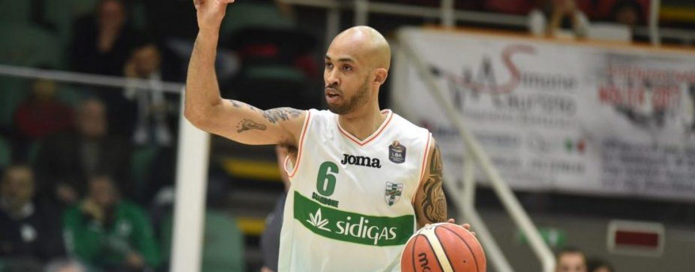 Trecento volte Sidigas, Logan fa la differenza tra Avellino e Sassari