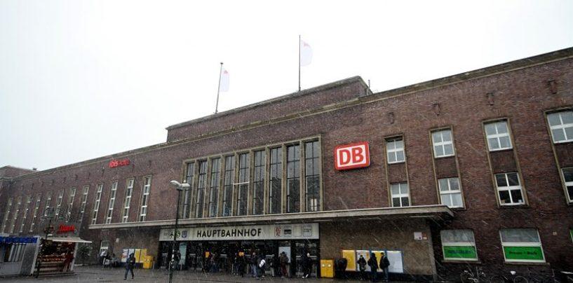 Düsseldorf, uomo armato di accetta alla stazione: numerosi feriti