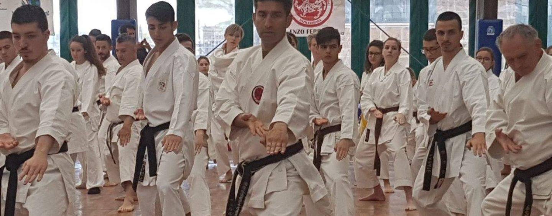 Karate, grande successo per lo stage del maestro Ferrara