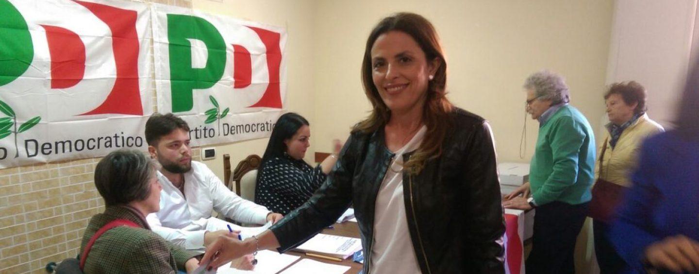 """Primarie Pd, la Tartaglione ha votato: """"Viva la Democrazia"""""""