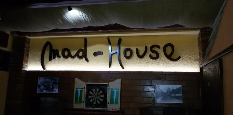 FOTO/ Il Mad House a San Nazzaro: punto di ritrovo per intere generazioni