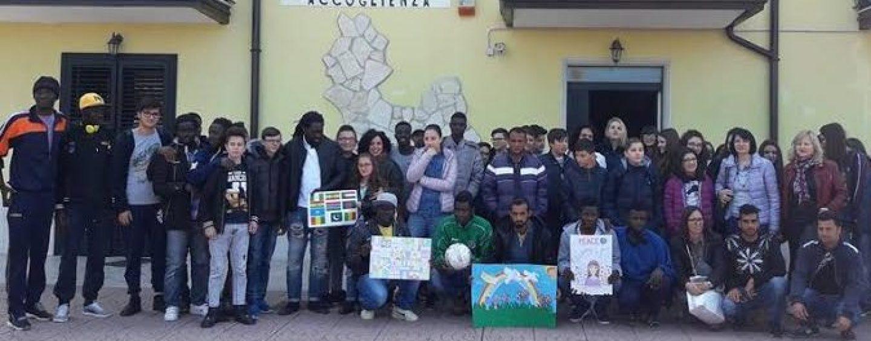 Alla Casa del Contadino di Paternopoli l'incontro tra rifugiati e alunni di Castelfranci