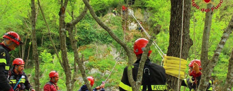 FOTO/ Straordinaria esercitazione del personale SAF del Comando dei Vdf di Avellino