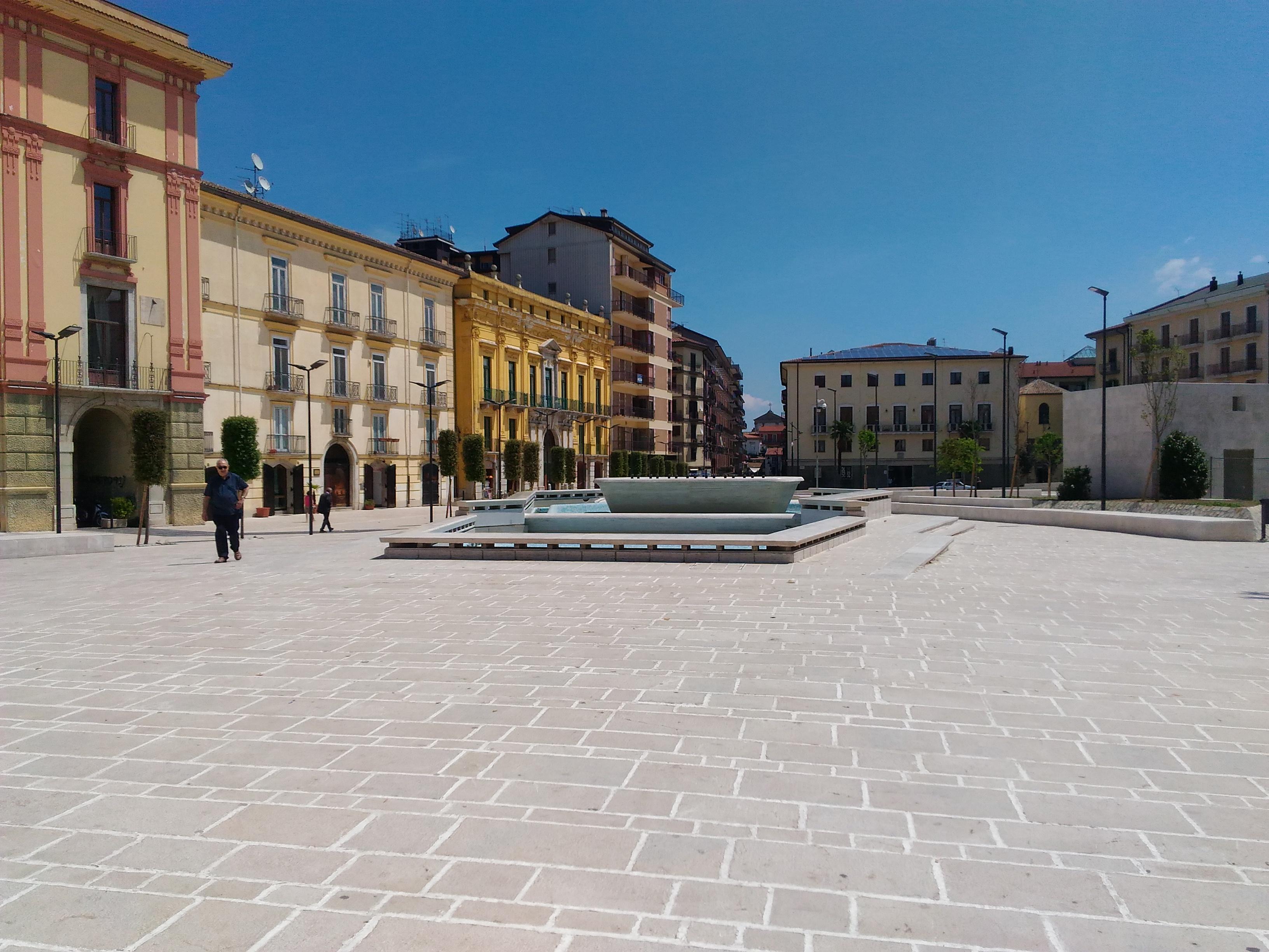 Un opera d arte per Piazza Libert ecco il bando da 54mila euro del une di Avellino