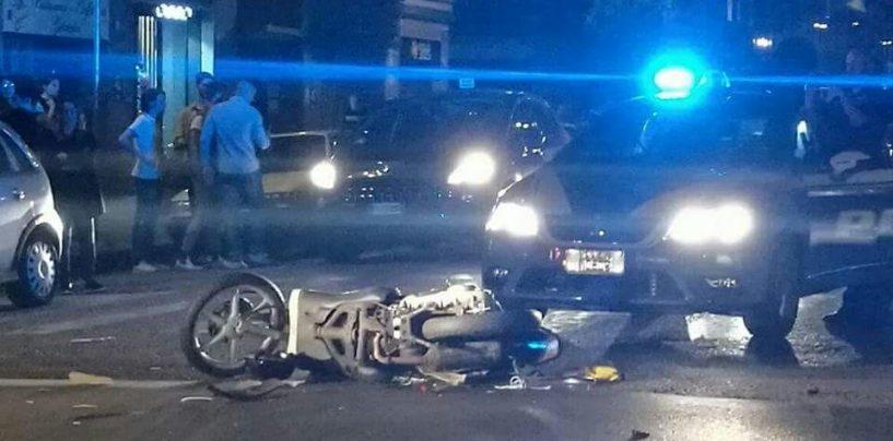 FOTO/ Scooter contro auto: brutto incidente a Via De Conciliis
