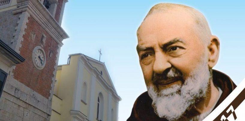 San Pio torna in Irpinia, il saio delle stimmate portato in processione a Gesualdo