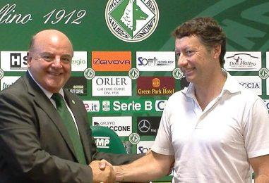 """VIDEO/ Avellino Calcio – De Cesare abbraccia Taccone: """"Contento di aiutarlo"""""""