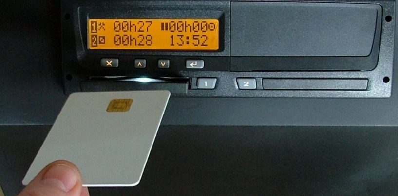 Tachigrafo modificato per aggirare i controlli, nei guai un autotrasportatore
