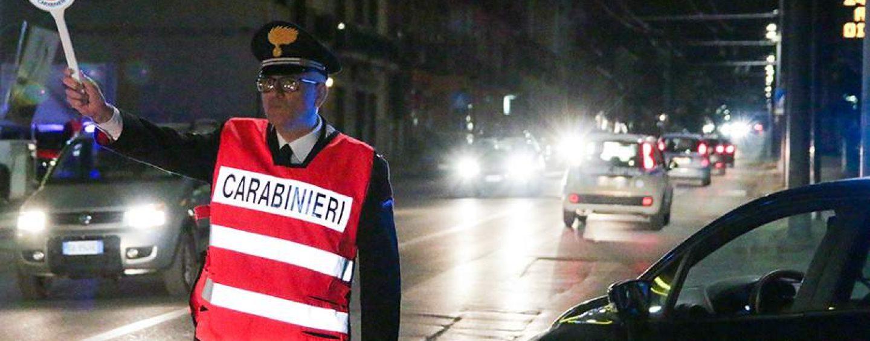 Alla guida senza patente e in possesso di coltello: per un pregiudicato scatta la denuncia
