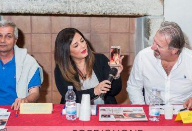 """Presentato a Taurasi il """"Fashion Show"""". Messaggio in diretta di Denny Mendez"""
