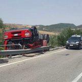 Grave incidente in Irpinia: Tir si ribalta sulla carreggiata, l'autista trasportato in eliambulanza