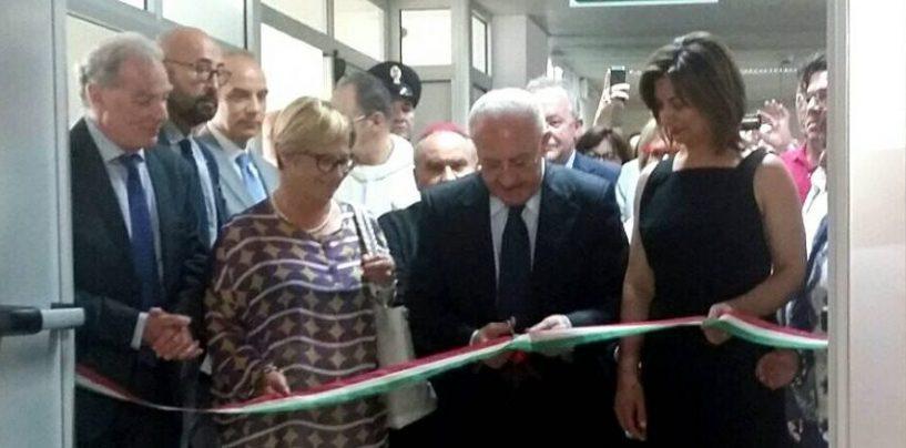 """De Luca inaugura il nuovo reparto del Criscuoli: """"Priorità alle aree interne"""""""