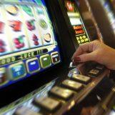 La Questura contro la ludopatia e il gioco illegale: nei guai diverse sale scommesse cittadine