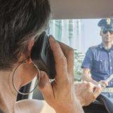 """Ritiro della patente per chi usa il cellulare, la Polstrada: """"E' la principale causa di incidenti stradali"""""""