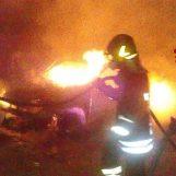VIDEO/ Auto in fiamme a Quadrelle, ci pensano i Vigili del Fuoco