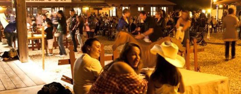 Dal Saloon alle rievocazioni, Torella dei Lombardi diventa un villaggio western in omaggio a Sergio Leone
