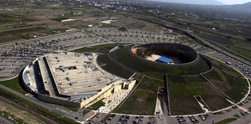 """Ruba automobili nel parcheggio del """"Vulcano Buono"""", le rivende ad Aversa"""