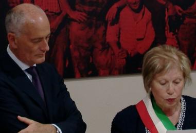 """VIDEO/ L'Irpinia omaggia la Polizia, Franco Gabrielli: """"Ero qui nell'80"""""""