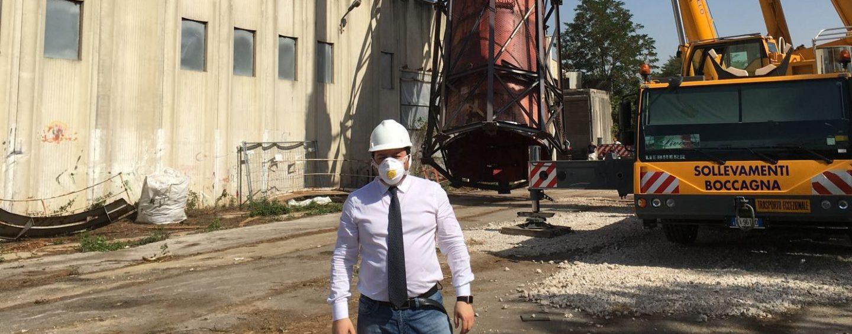 Isochimica: 15 aziende rispondono al bando. Dopo l'estate addio ai 500 cubi con amianto