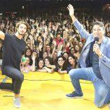 """VIDEO/ Backstage, Stefano De Martino risponde ai suoi fan: """"Belen? E' una minaccia…"""""""